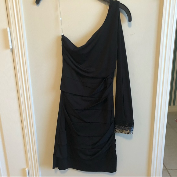Body Central Dresses & Skirts - One shoulder bodycon dress